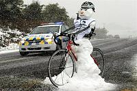 Click image for larger version.  Name:winter bike.jpg Views:60 Size:84.7 KB ID:20792