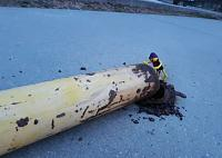 Click image for larger version.  Name:rusty bollard.JPG Views:25 Size:78.6 KB ID:19699